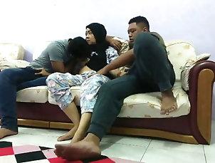 Amateur;Asian;Funny;Mature;MILF;Arab;HD Videos;Indonesian;Family;Homemade;Mom;Tante;Rumah Nginap Di Rumah Om Luqman Lalu Main...