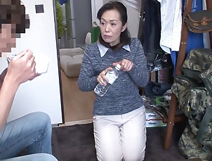 Amateur,Japanese,Mature The firts adventure of married woman