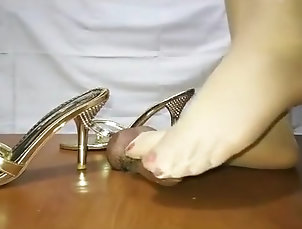 Asian,Cumshot,Toys,Squirt,Foot Fetish,Straight Chinese femdom cock trample shoejob...