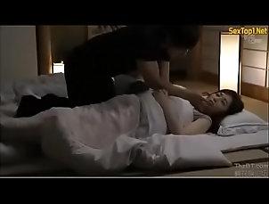 hot,mom,sleep,with,friend,japanese,son,asian_woman Japanese mom sleep