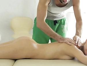 Amateur,Brunette,Doggystyle,Hardcore,Massage,Teen Asian whore truly enjoys making out...