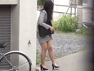 Asian,Fetish,HD,Pissing,Straight Asian babe pees herself